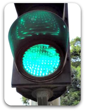 Traffic light on green -start your impromptu speech now!